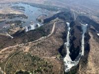 2018 10 30 Victoria Falls mit Livingstone Brücke
