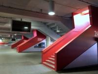 Allianz Arena Führung neue rote Gestaltung der Arena