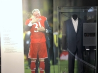 FCB Erlebniswelt Anzug von Jupp Heynkes