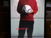 FCB Erlebniswelt Gerd Müller spricht zu einem
