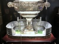 FCB Erlebniswelt größter Geschenkpokal von Real Madrid