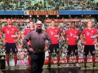 FCB Erlebniswelt mit Mannschaft