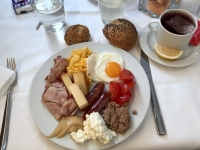 2018 12 30 Portoroz Hotel Riviera Frühstücksteller