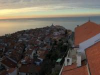 2018 12 31 Piran Blick vom Turm der Kirche des Hl. Georg auf die Spitze von Piran