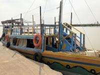2019 02 15 Unser Schiff im Dorf Kuntao
