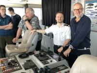 2019 03 04 Besuch der Brücke mit Offizier