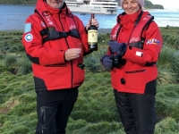 2019 03 10 Grytviken Prost auf Entdecker Shackleton