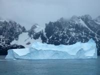 2019 03 11 Eisberg bei der Ausfahrt aus dem Draygulsky Fjord