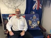 2019 03 16 Tristan da Cunha Fahne auf Sofa