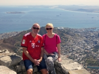 2019 03 23 Tafelberg Blick auf Kapstadt im FC Bayern Leiberl