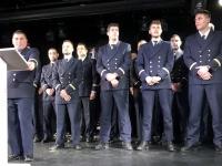 Kapitän mit leitenden Offizieren beim Abschiedscocktail