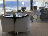 SB-Restaurant La Comete auf Deck 6 mit Blick hinaus