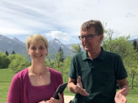 Vorstellung der Wirtin durch Tourismusdirektor Hans Wieser aus St Wolfgang