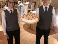 2019 05 28 Trabia Hotel Tonnara riesige Erdbeertorte