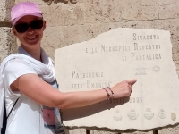 Italien Syrakus und Felskammergräber Pantalica Tafel