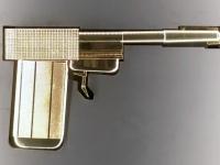 Goldener Colt verwendet in Der Mann mit dem goldenen Colt 1974