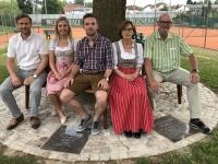 Familie Leeb mit Obmann und Stv