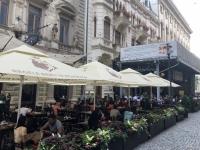 2019 07 23 Bukarest Traditionsbierrestaurant Caru cu bere Gastgarten