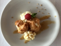 Dessert Saint Honore Profoterolen