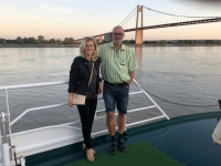 2019 08 02 Brücke von Tancarville mit Kollegin Michi