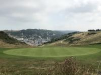 2019 08 02 Etretat Golfplatz in der Anhöhe
