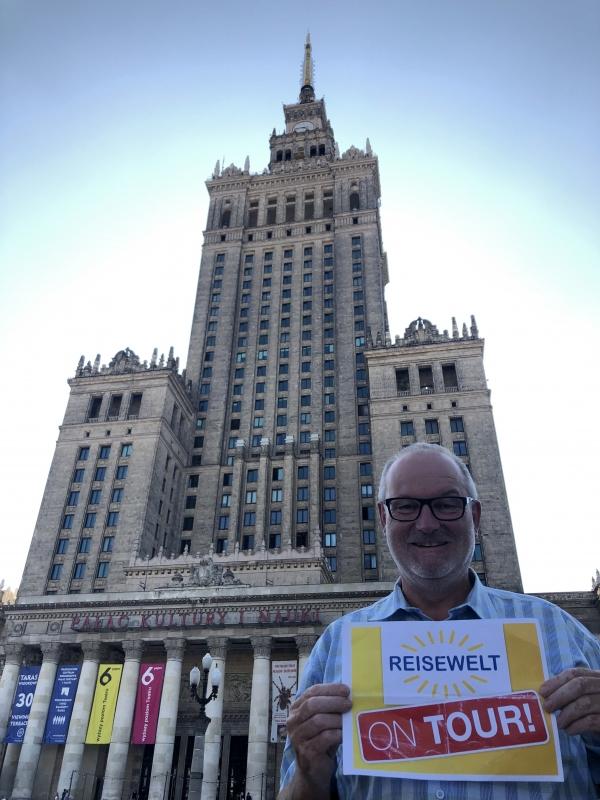 2019 08 26 Warschau Kulturpalast Reisewelt on Tour