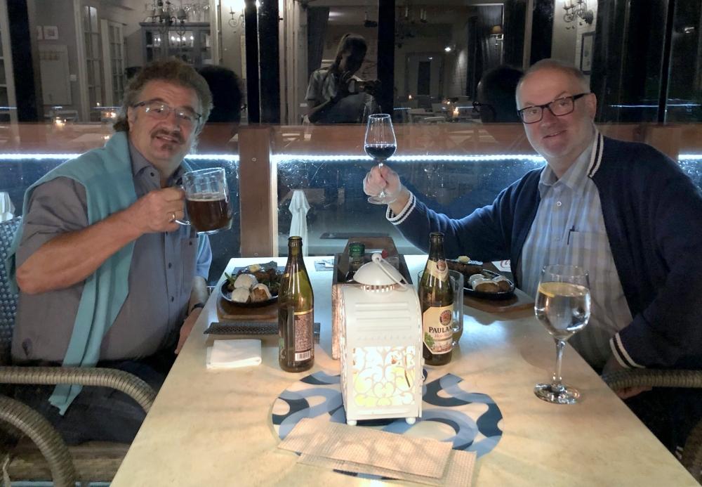 2019 08 22 Kolberg Abendessen auf Dachterrasse direkt am Meer