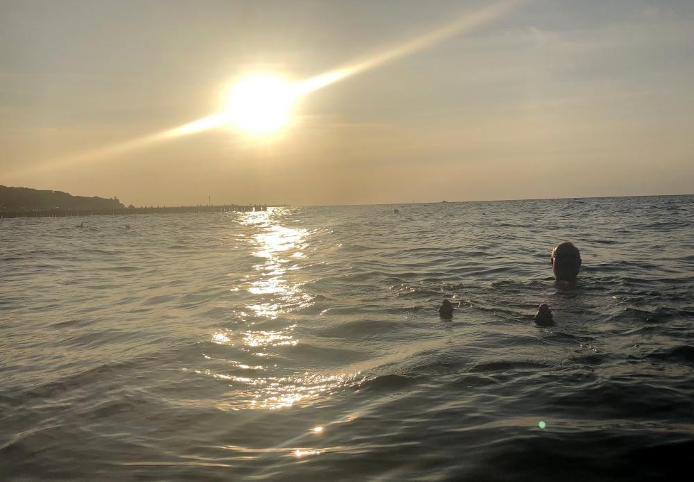 2019 08 22 Kolberg Baden in der Ostsee mit Sonnenuntergang