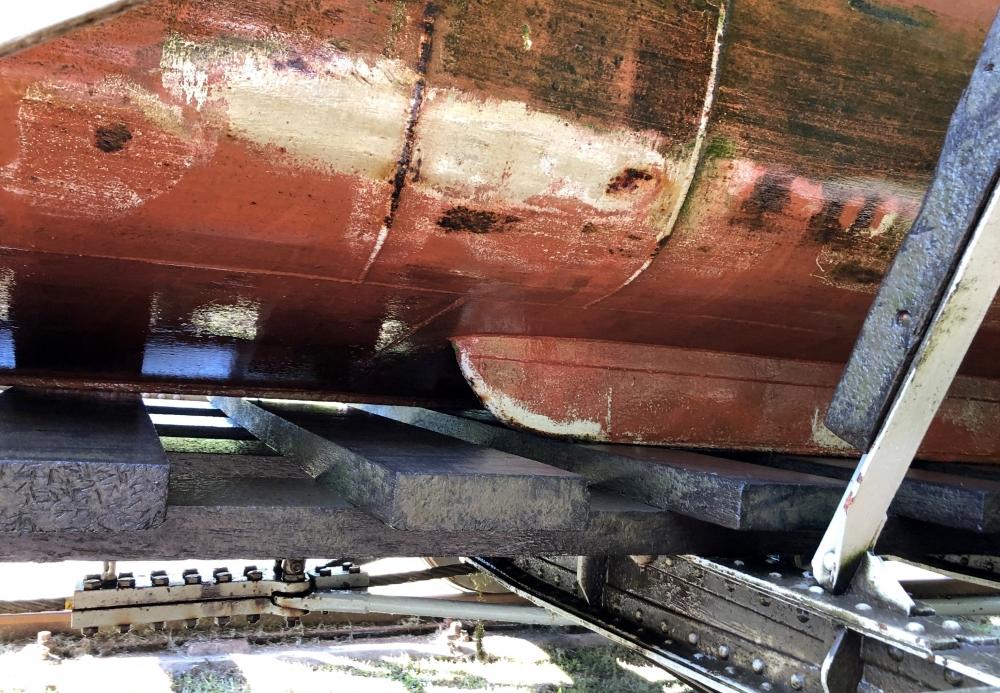 2019 08 24 Buczyniec Elblag Kanal mit speziellen Schiffskielen