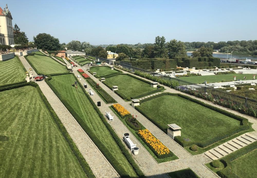 2019 08 27 Warschau Königsschloss Blick auf den Garten