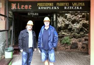 2019 08 20 Walim Riese Stollenbauten der Nazis Eingang Stollen 1