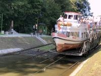2019 08 24 Buczyniec Elblag Kanal Schiffe werden gezogen