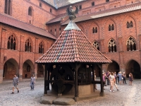 2019 08 24 Marienburg einer der Innenhöfe