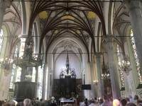 Sonntagsmesse in der Kirche