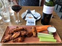 Hard Rock Cafe Abendessen Chicken Wings als Vorspeise