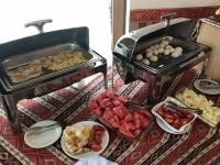 2019 09 09 Baku Erstes Frühstück im Hotel