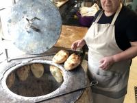 2019 09 09 Baku frisches Brot backen