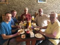2019 09 10 Baku Mittagessen während Ausflug