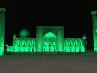 2019 09 28 Samarkand Registanplatz Lichtershow in grün