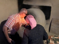 2019 09 29 Samarkand AB bei RL frisches Brot backen