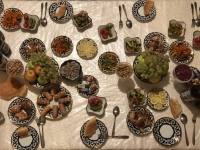 2019 09 29 Samarkand Abendessen bei RL zu Hause ausreichend gedeckter Tisch