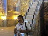 2019 09 29 Samarkand Registanplatz Moschee mit RL Abdulaziz