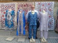 2019 09 30 Buchara Kleidungsverkauf