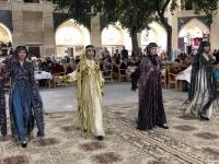 2019 10 01 Buchara Folkloreabend Modeschau