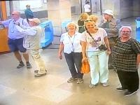 2019 10 03 Taschkent U_Bahn Station Kontrollkamera