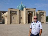2019 10 03 Taschkent vor der Koranschule Barak
