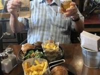 2019 10 11 Flughafen Istanbul Burger und Bier