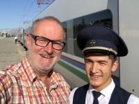 2019 10 02 Zugfahrt nach Taschkent unser Schaffner