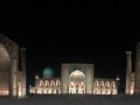 2019 09 28 Samarkand Registanplatz bei Nacht