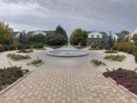 2019 10 08 Hotel Kapriz Resort am Issyk Kul See Garten